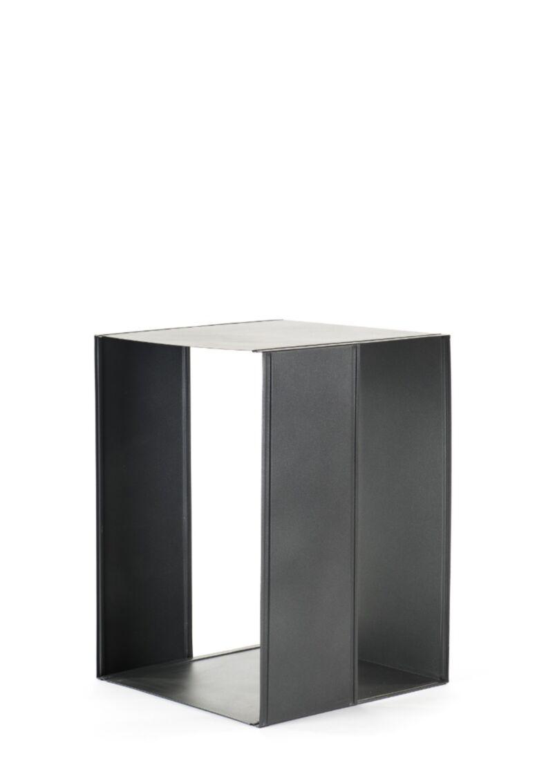 Espositore di design con struttura in acciaio da showroom cm. 93,5x44x200h