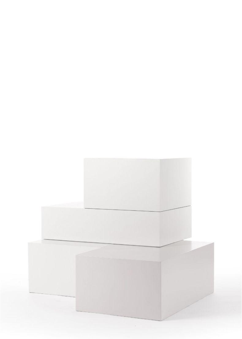 espositore di design per negozi e showroom in legno verniciato bianco