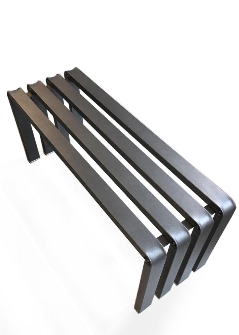 panca design in metallo verniciato per showroom e hotel situer milano