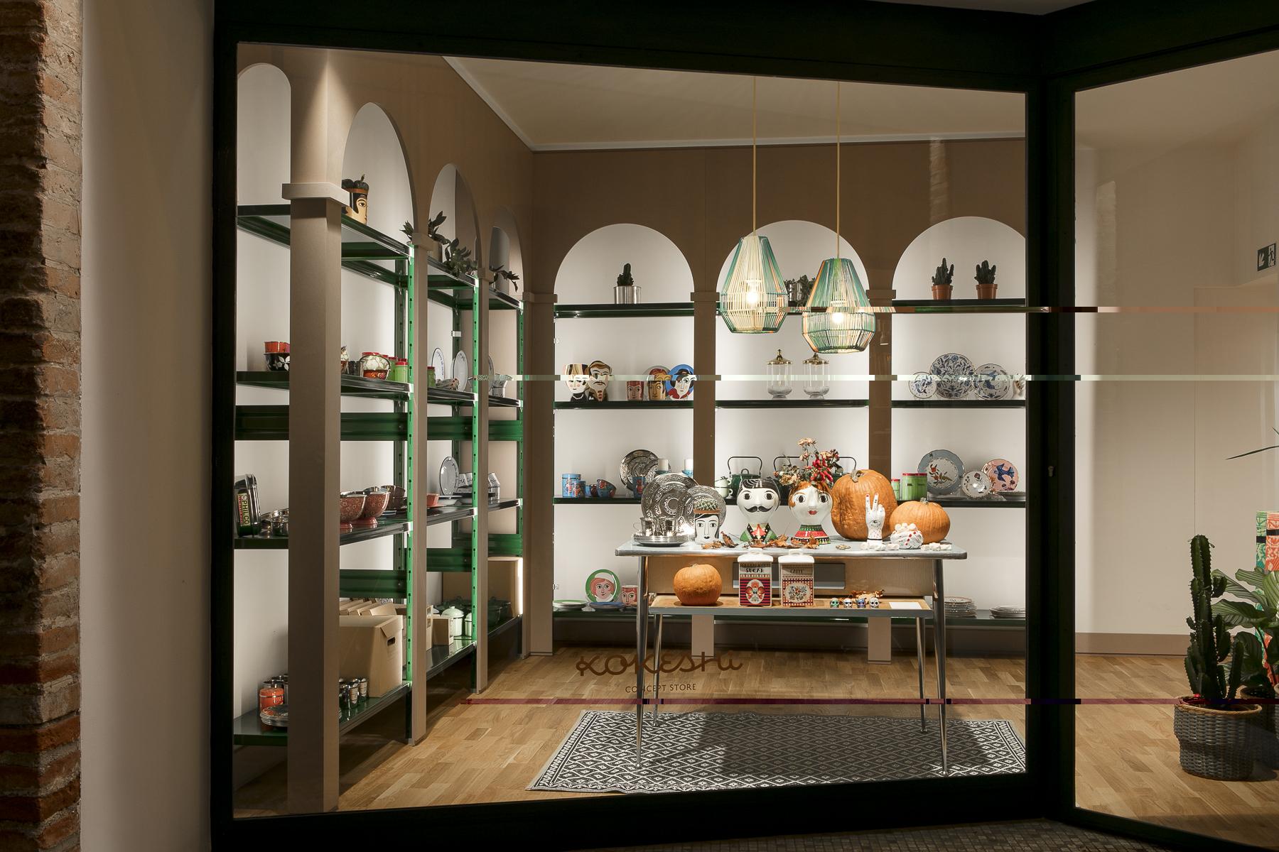 arredamento di design per negozi