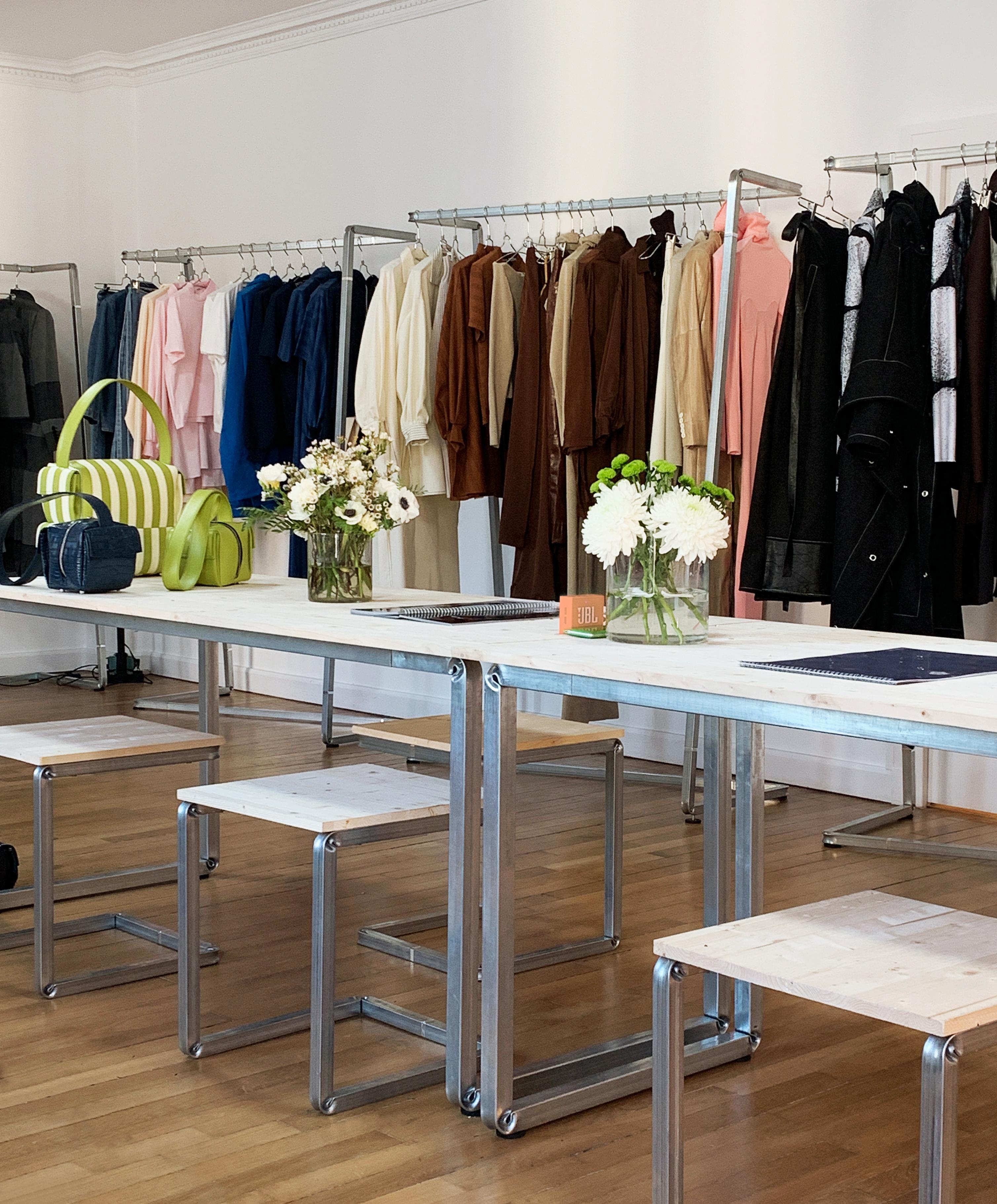 allestimenti completi di design per showroom moda situérmilano