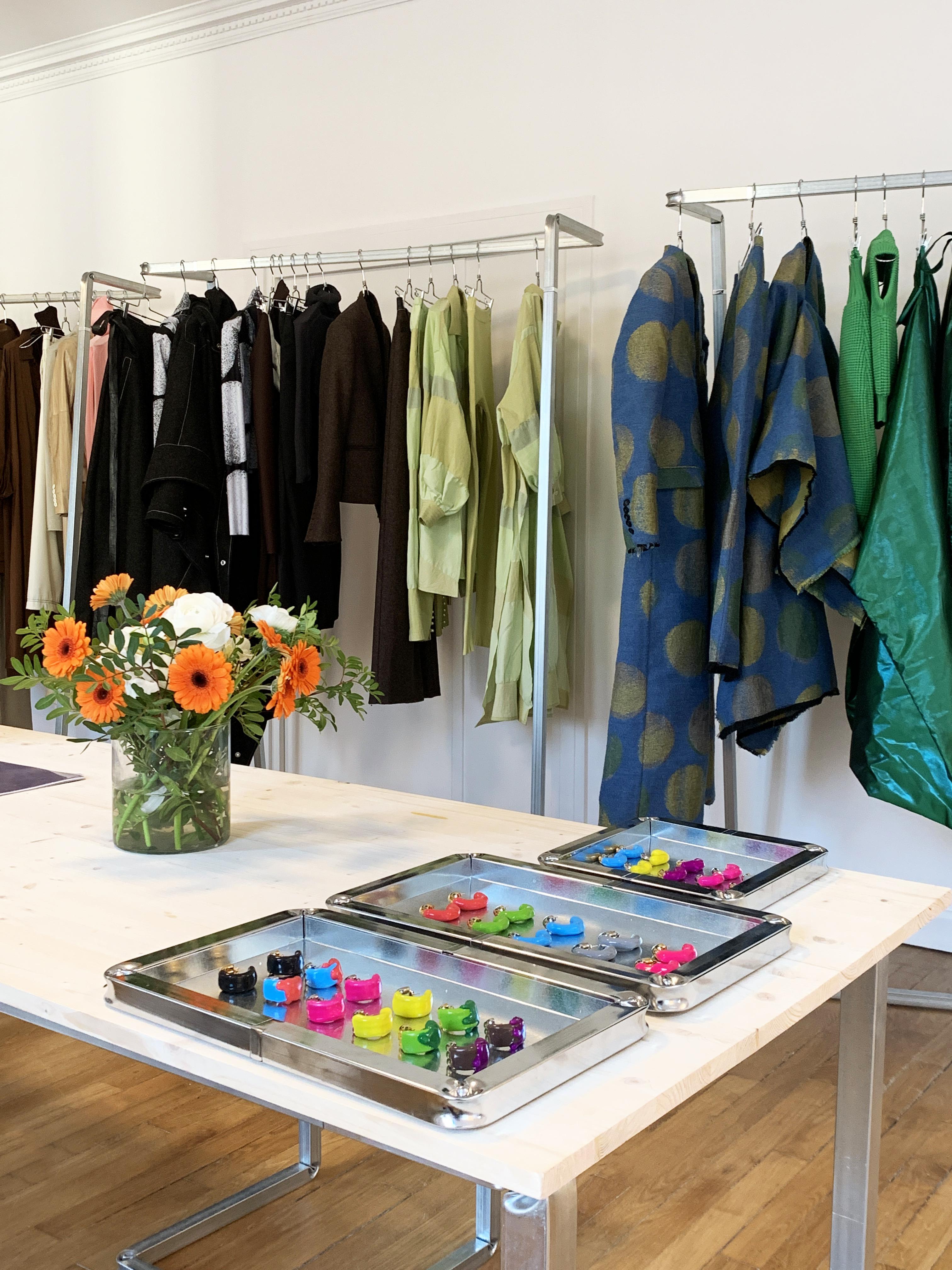 set design situer milano showroom fashion sunnei