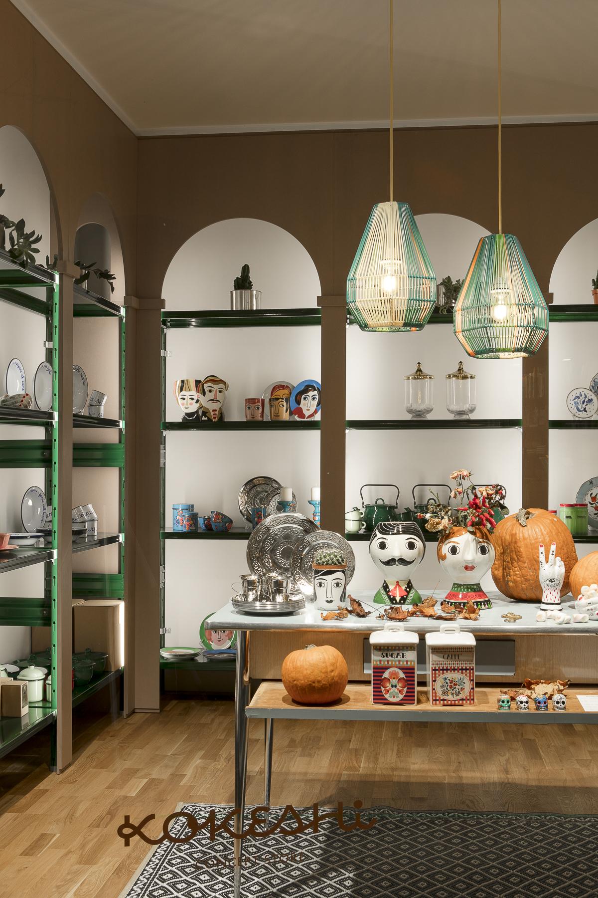 scaffali di design per allestimento negozi