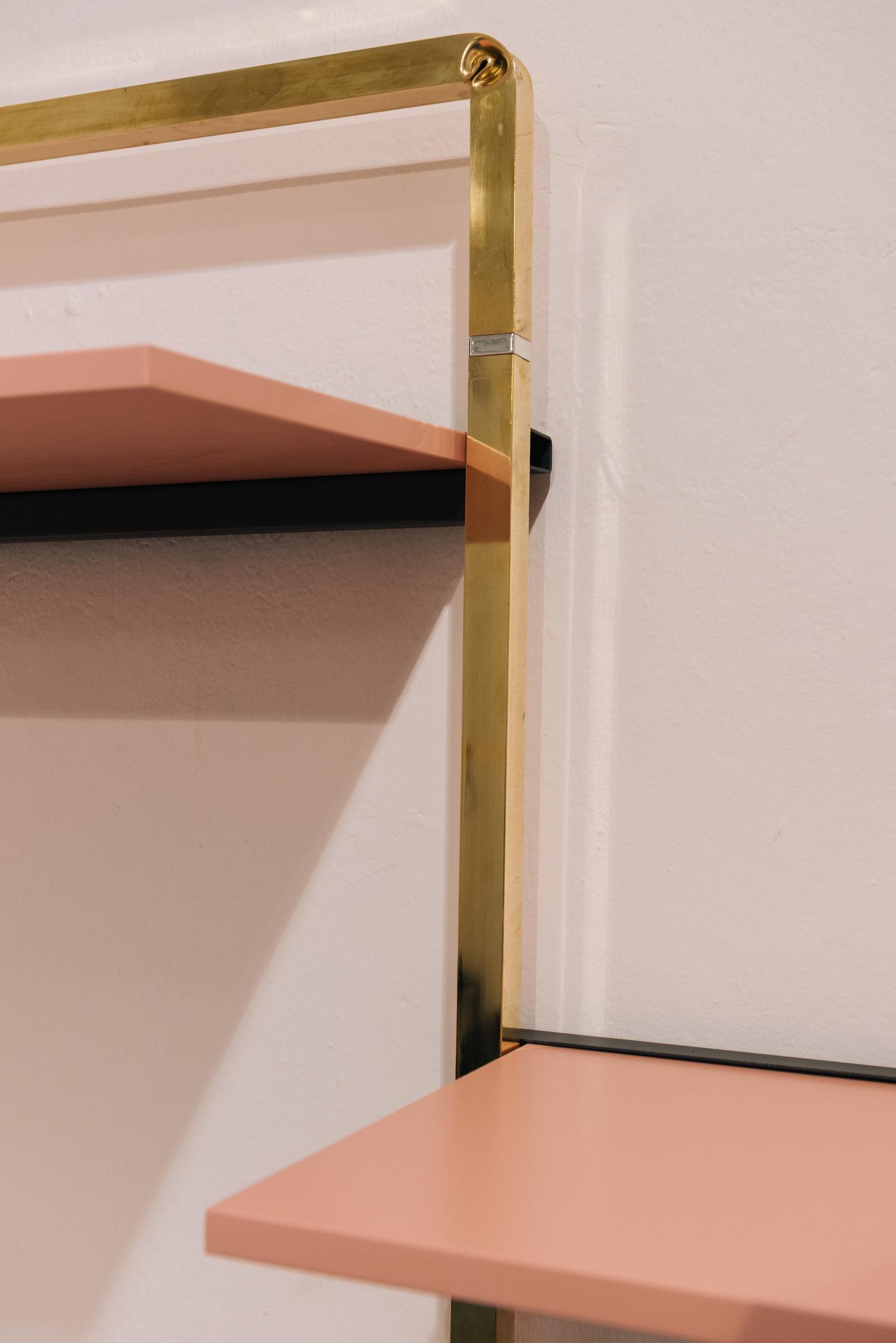 allestimento completo per negozi e showroom in stile minimal