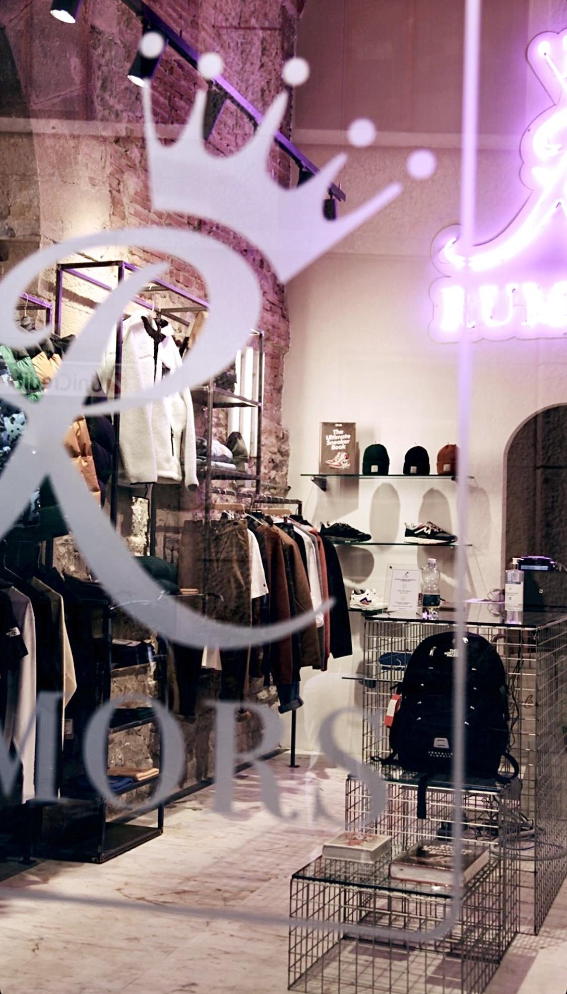 arredo di design per negozi e showroom di moda