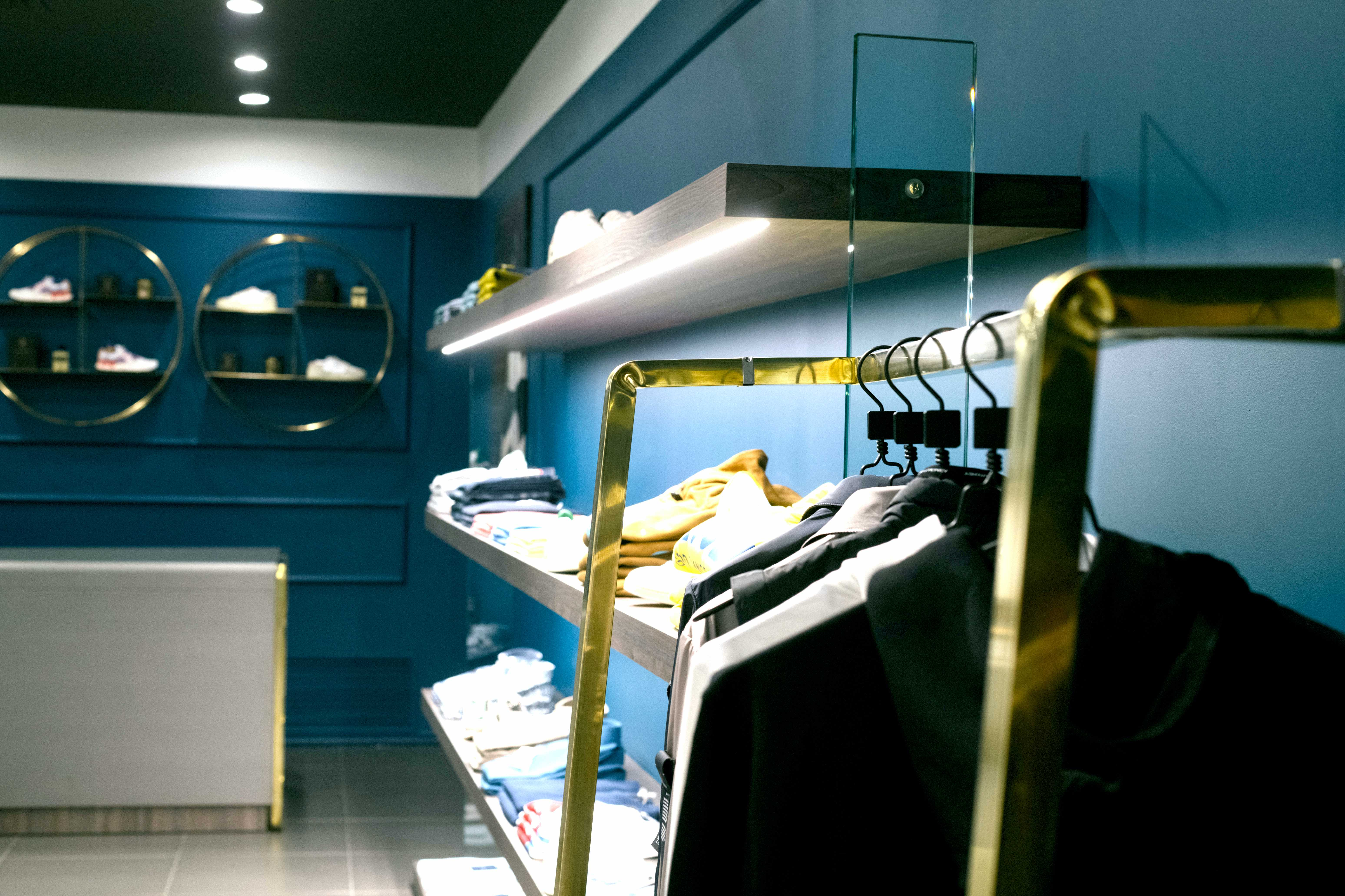 arredamento di design di interni di negozi e showroom