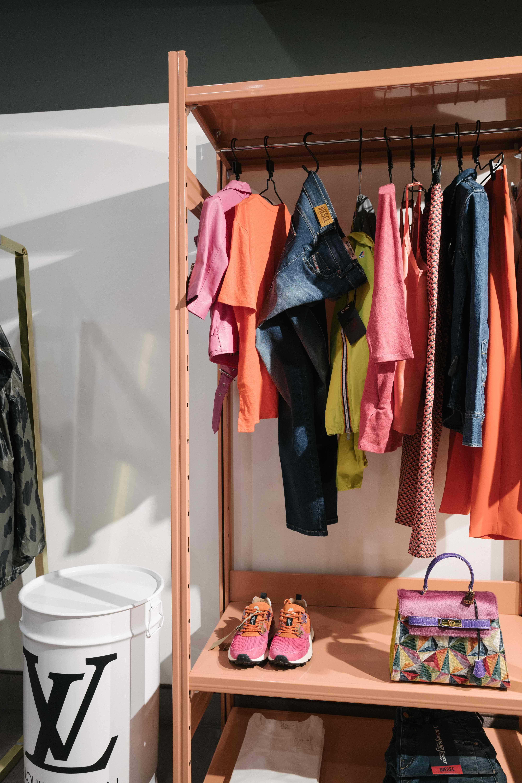 arredi di design realizzati situermilano per negozi di moda e abbigliamento