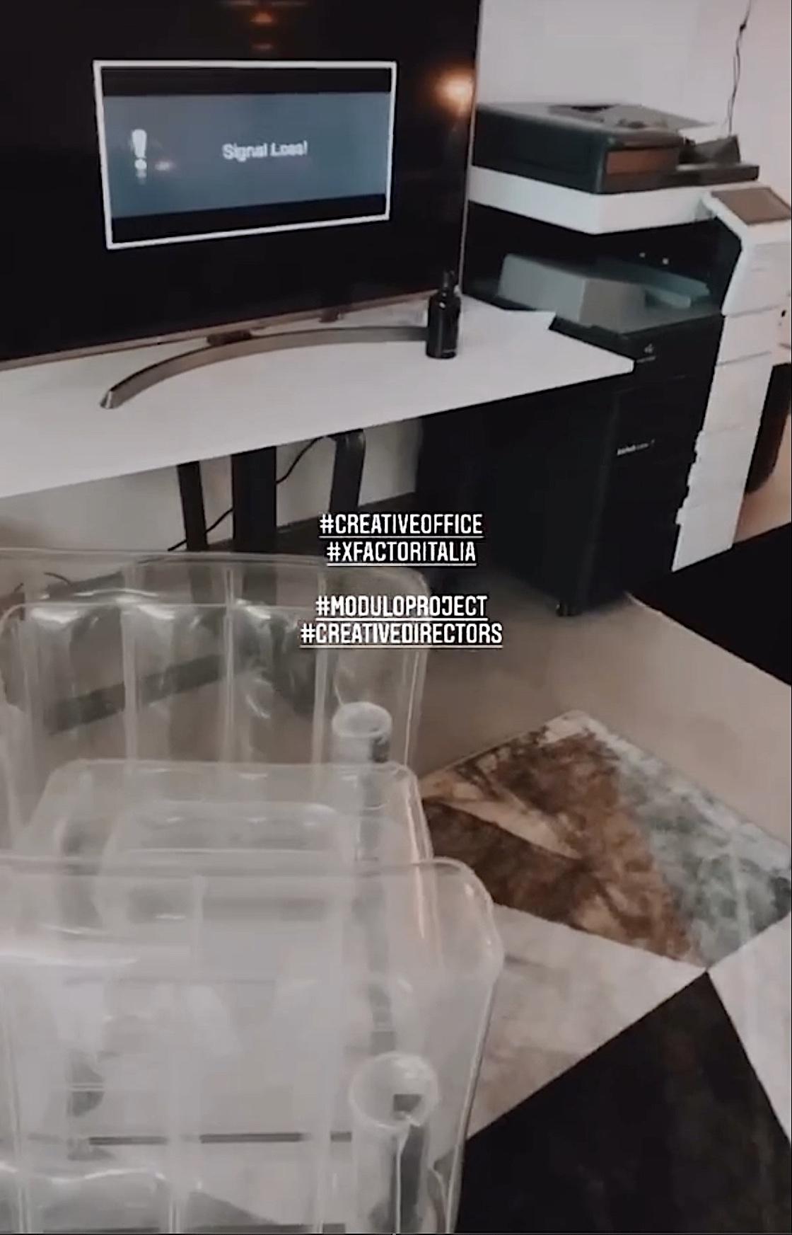 tavoli design per uffici e showroom noto programma televisivo xfactor italia