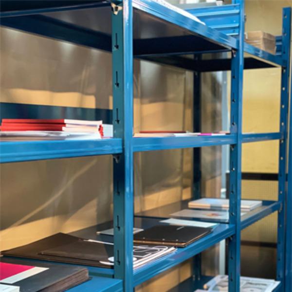 Libreria in legno o in acciaio: quale scegliere?