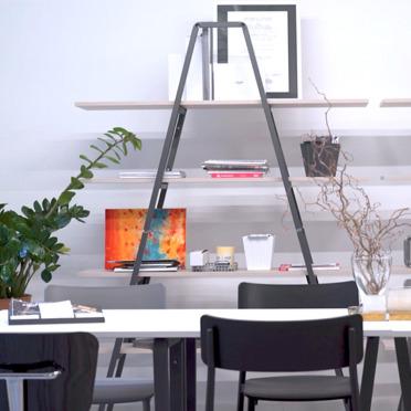 Libreria in acciaio di design: il bello che fa la differenza