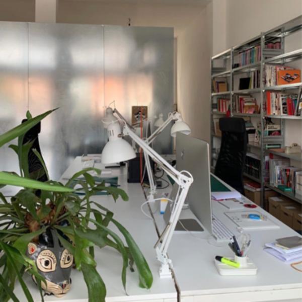 Librerie in acciaio moderne per l'ufficio